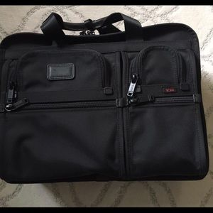 NWT TUMI Alpha Large Expandable Briefcase